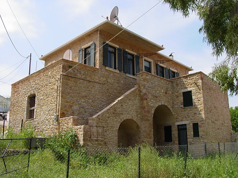 Modern houses by - Gallery For Gt Ancient Spartan Home